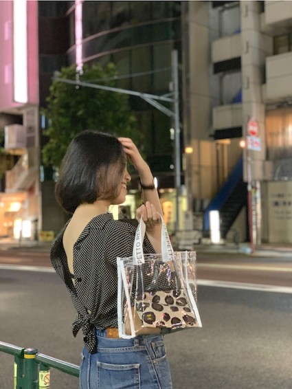 【BAILA8月号】お得すぎるの付録PVCバッグが映える❤︎桐谷美玲さんの軽やかな黒コーデを真似してみた!_5_3