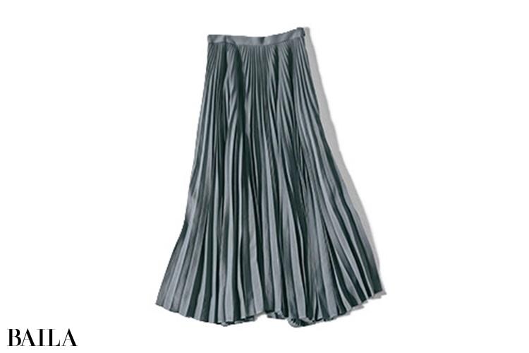 スカート¥56000/ebure