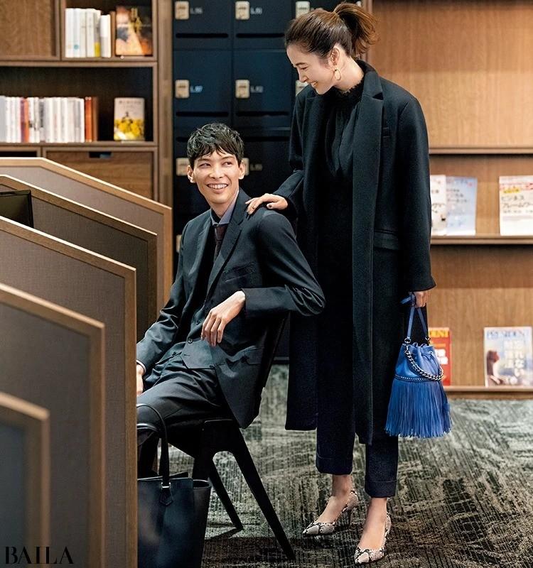 BAILA_通勤_黒コート