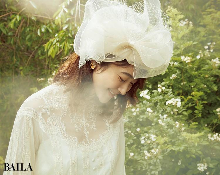 ヴィンテージ風ドレスに レトロな帽子型の ヘッドドレスが似合う