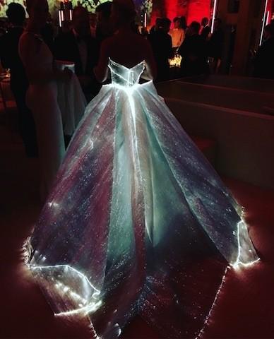 セレブ盛装祭り☆METガラ速報「光るドレスのあの娘は誰?」_1
