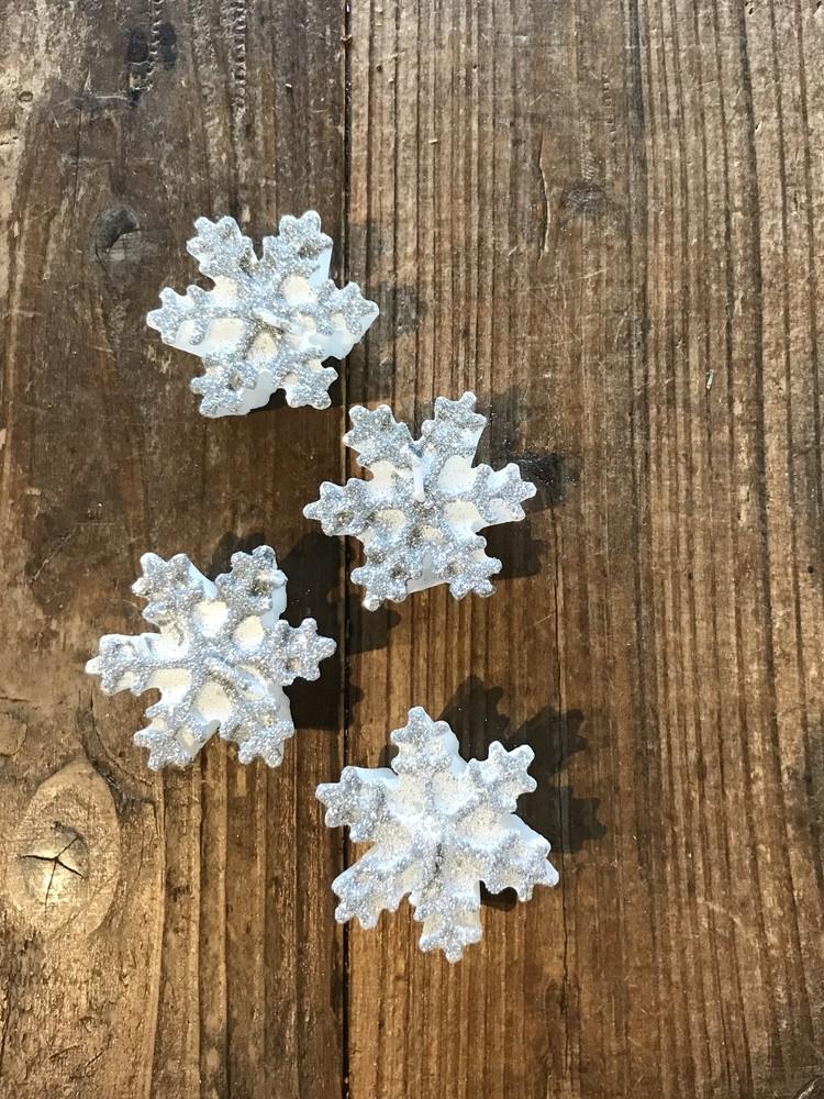 ZARA HOME(ザラ ホーム)のクリスマス向け雪の結晶キャンドル