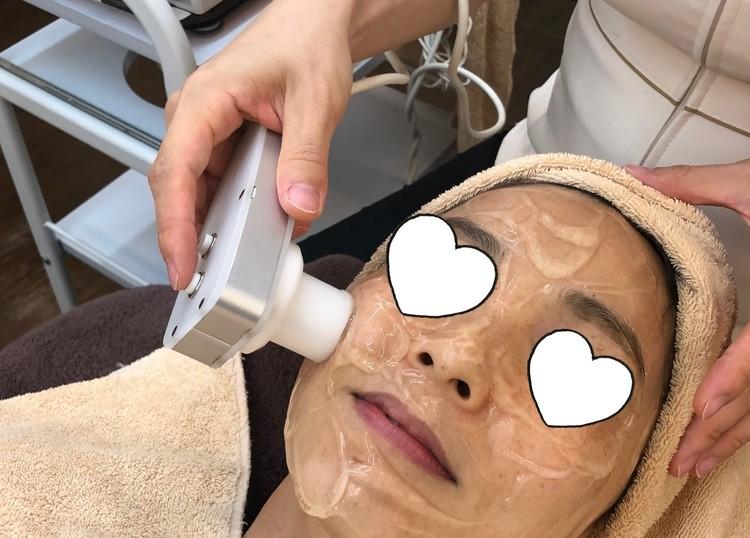 エレクトロポレーション(無針メソセラピー)を利用して、肌に有効な成分を肌深部に浸透
