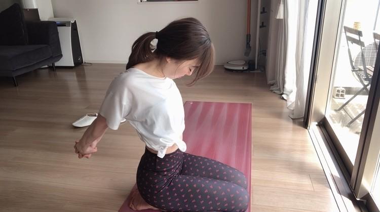 yoga>>巻き肩解消ストレッチ!首回りスッキリ。動画あり!_4
