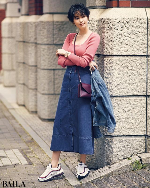 今、圧倒的に大人可愛い♡【ハイテクスニーカー×スカート】の意外コーデ8選_1_3
