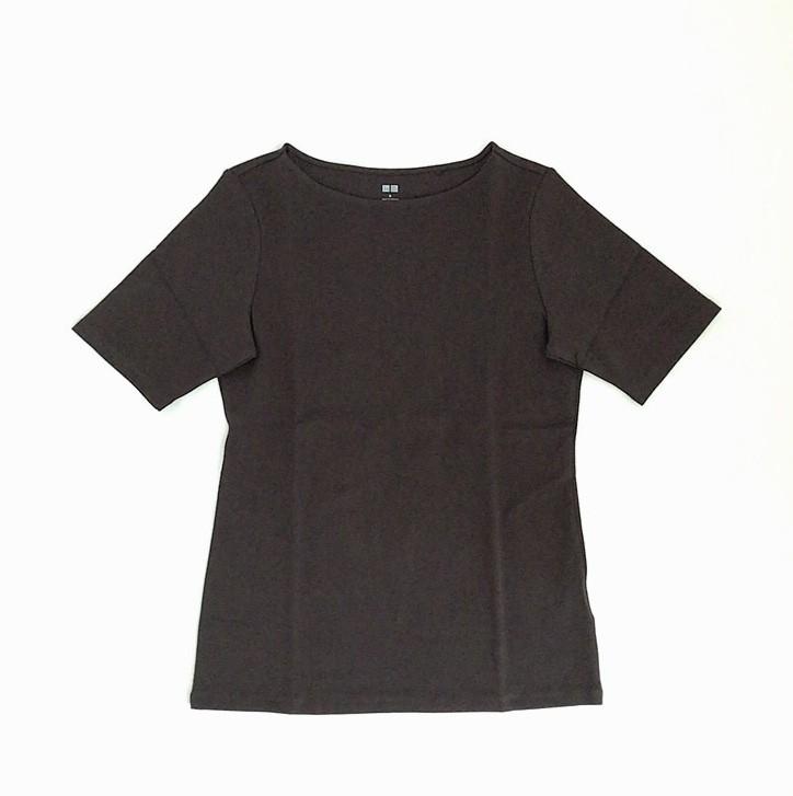 ユニクロのオフィスで着られるTシャツ