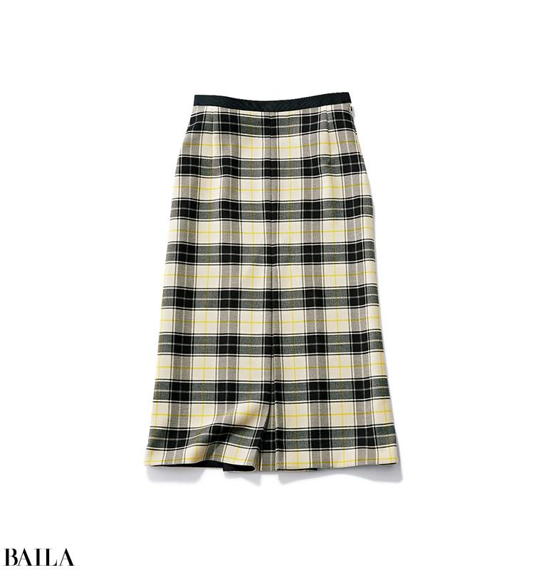 忙しすぎる日は、合わせやすい定番黒タートルを柄スカートで今季らしく!【2019/12/13のコーデ】_2_1