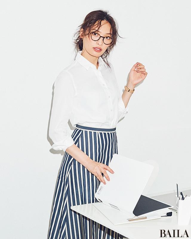 オフィスで自信が持てる【美女感白シャツ】5選_1