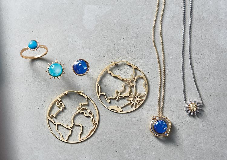 """鮮やかなブルーと造形美が光る""""Earth""""をイメージしたデザイン"""