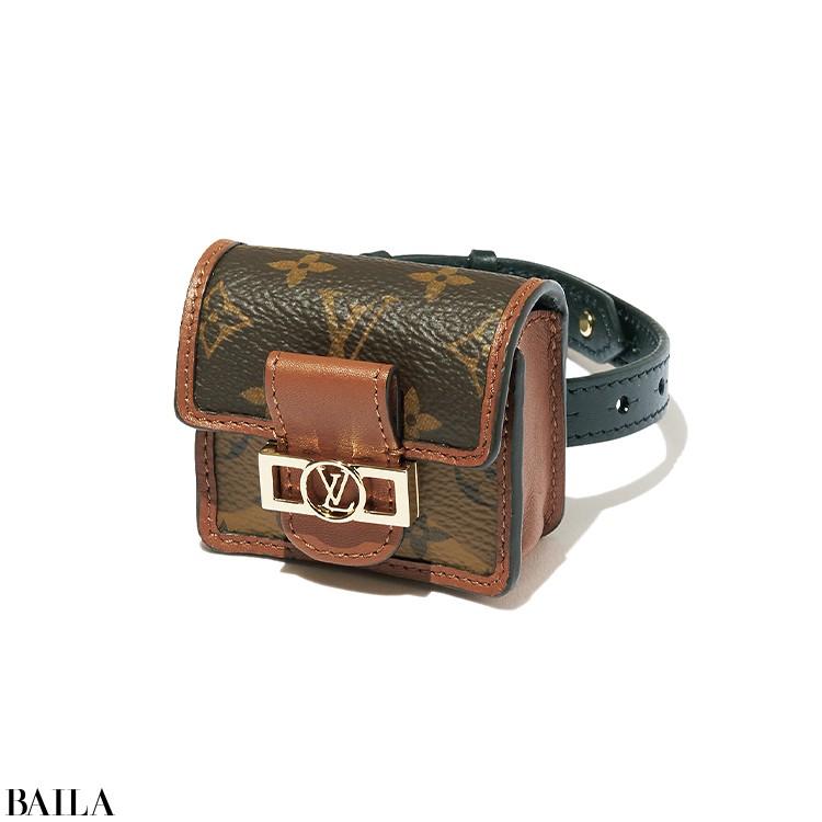 【Louis Vuitton】  「ブレスレット感覚で手首につけるイヤホンケースにひと目ぼれ!」(編集K)