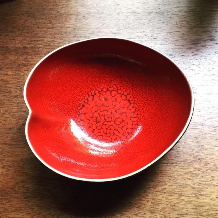 南仏ブランドジャスの赤いボウル
