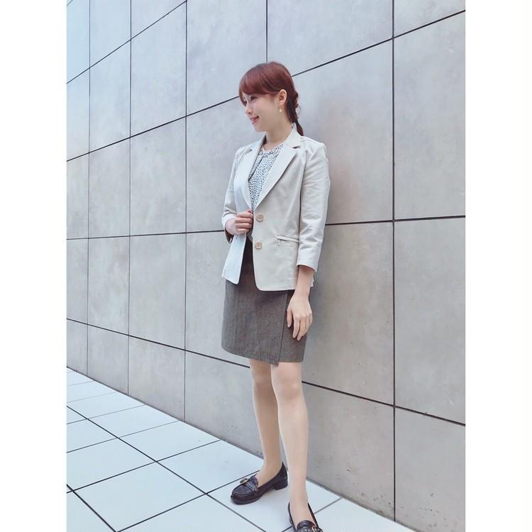 通勤コーデ♡白ジャケット&白トップスで梅雨でも晴れ気分に_1