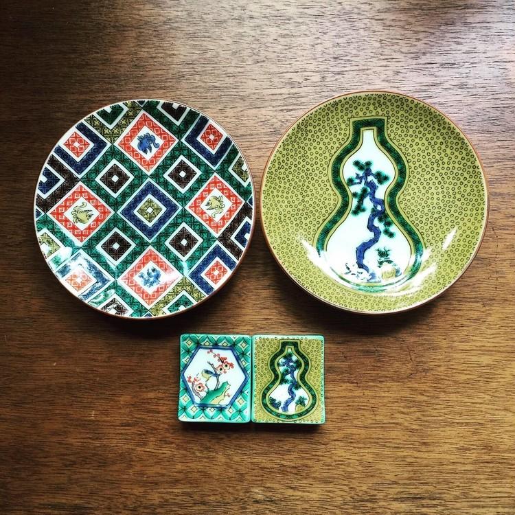 九谷焼の豆皿と箸置き