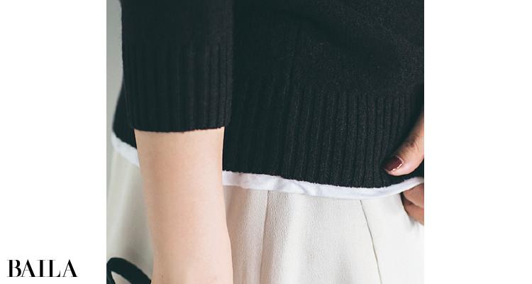 白Tをスカートに重ねて奥行き感を