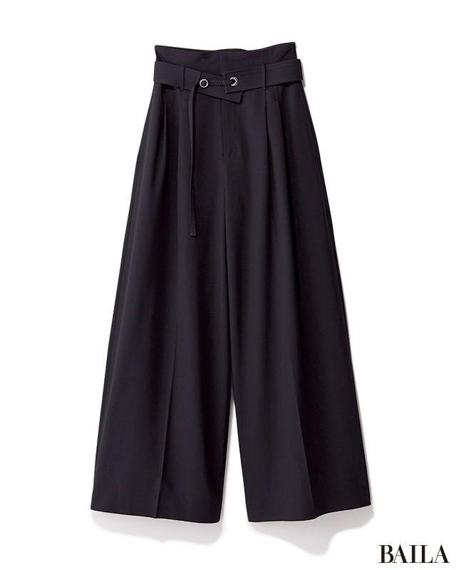 パンツでも色気が欲しいなら、ほんのり女っぽいベルテッドワイドで!_2_1