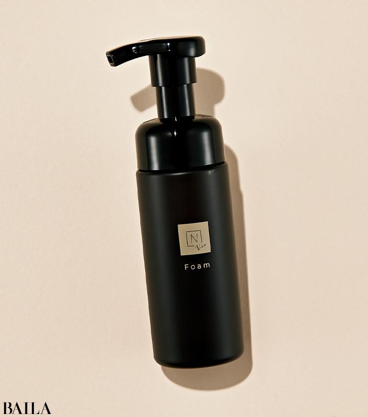 水に弱いためパウダー状が主流の酵素洗顔に、泡タイプが登場!古い角質を浮かせて落とし、明るい肌に。N organic Vie クリアホイップ フォー 150㎖ ¥3520/シロク