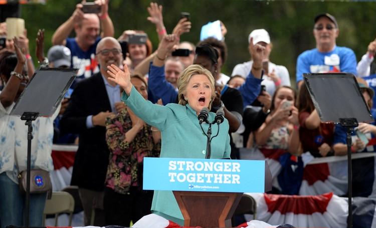 【働く女の星★】ヒラリー・クリントンの「勝負服」おさらい_1