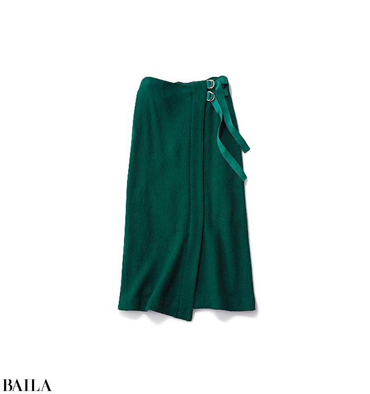 久しぶりに彼氏に会える日は、白ニット×グリーンスカートの女っぽいスタイル【2020/2/10のコーデ】_3_2