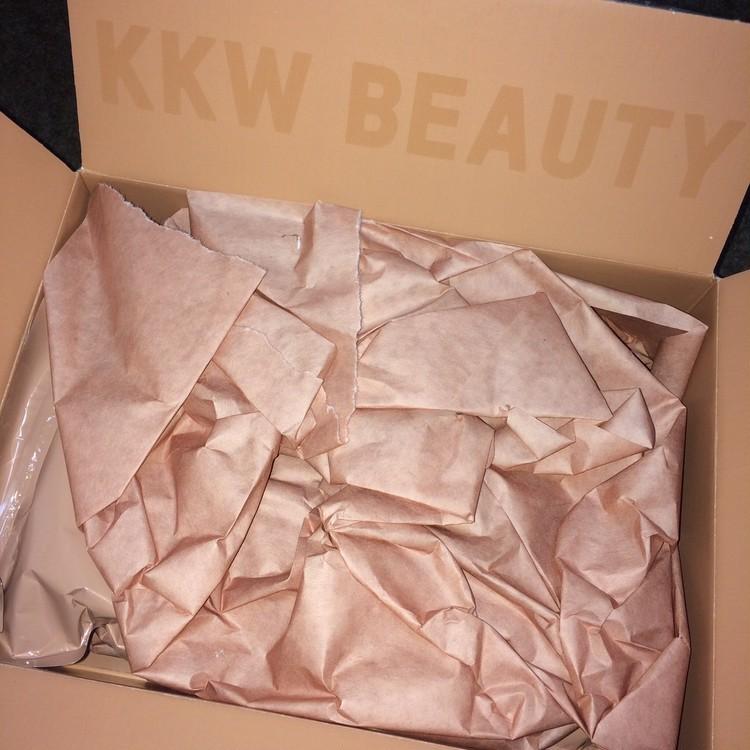 キム・カーダシアンがプロデュース。話題のKKW BEAUTYを買ってみた!_1