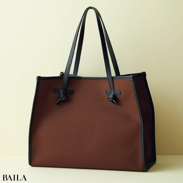 ジャンニ キアリーのバッグ
