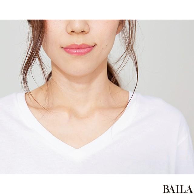 「肩ハリさん」がゴツく見えない【無地白Tシャツ】の大正解_1_2