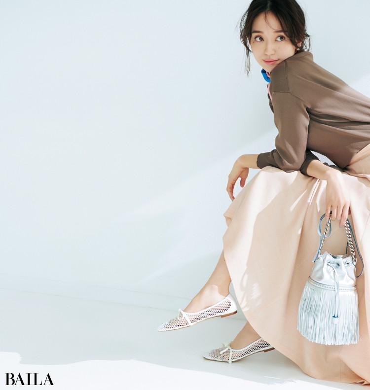 ピッピシックの靴とフレアスカートコーデの松島 花