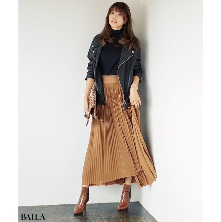 都会的なムードが漂うスカートスタイルを目指して!