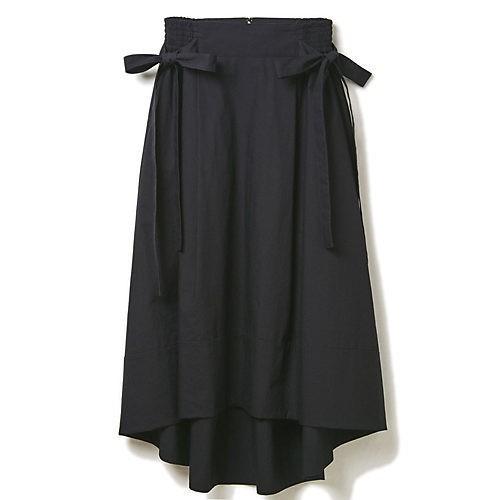 「スカートスタイルの上に黒のゆるっとコート」のギャップで大人っぽく! _8