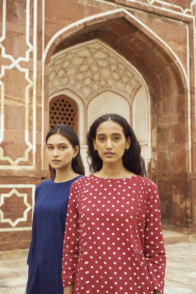 ユニクロ(UNIQLO)初のインド人デザイナーコラボ「クルタ・コレクション」イメージビジュアル2