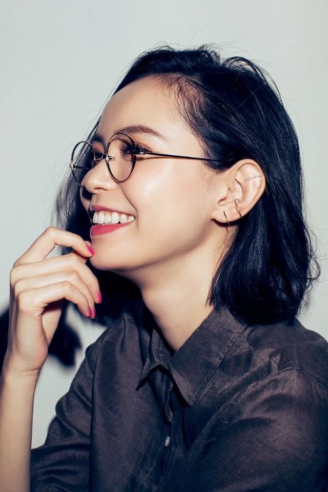 モテるメガネ女子はみ~んな「細フレームの丸っこメガネ」_4