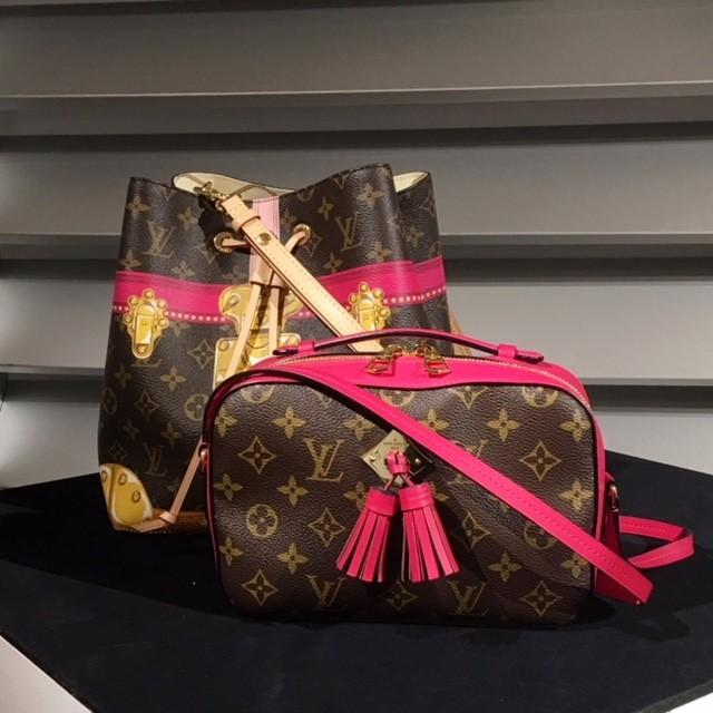人気のミニバッグで差を付けるなら巾着タイプが気になる!_2_3