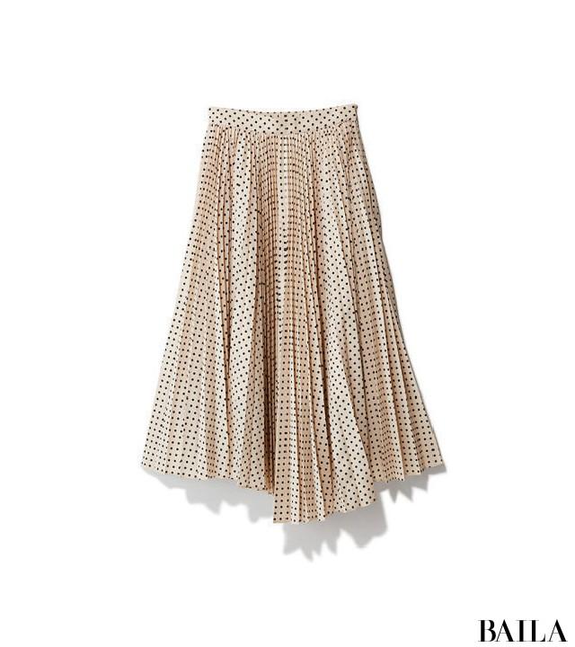 取引先との忘年会の日は、華やかなホワイトスカートスタイルで【2018/12/14のコーデ】_2_4