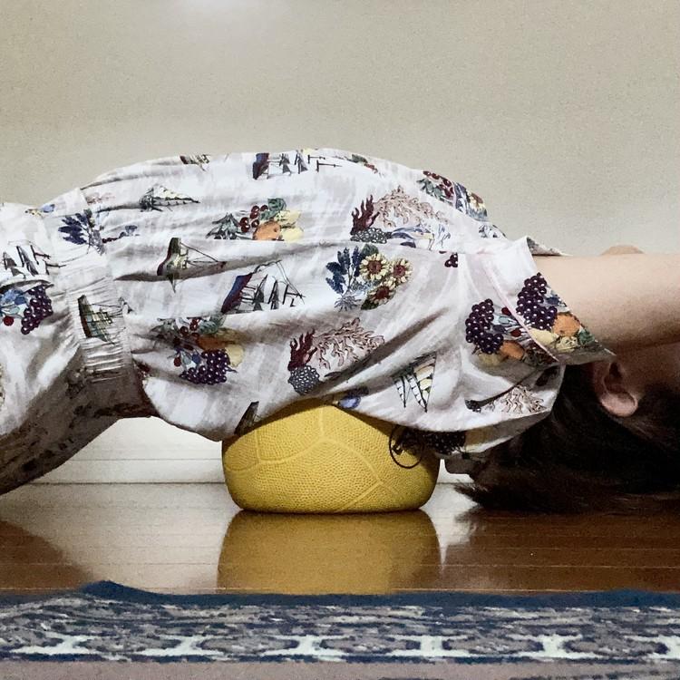 """【エディターのおうち私物#75】話題の""""筋膜リリース""""で在宅ワークの運動不足&頑固なコリ解消! おすすめオンライントレーニング紹介_4"""