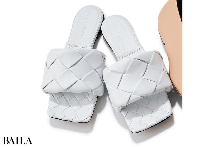 ボッテガ・ヴェネタの靴「ザ・リド フラットサンダル」