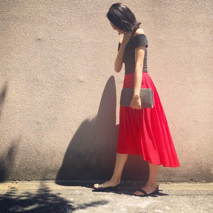 黒オフショル×赤ヘムラインスカート♡髪の毛ばっさり切りました!_3