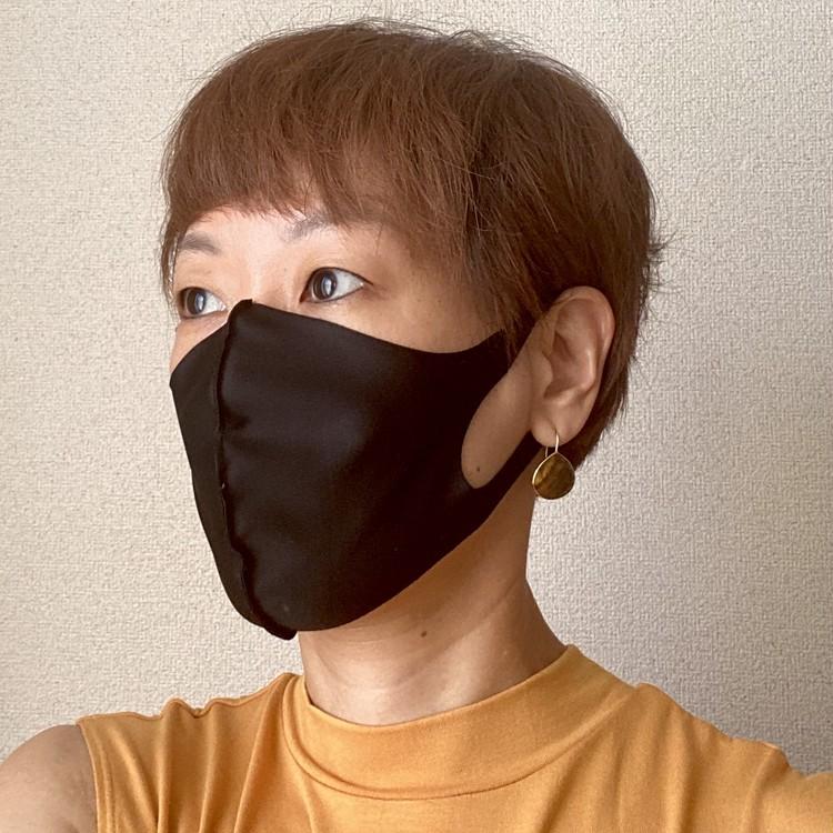 2.タカキュー「カラフルで多機能な洗える水着素材マスク」