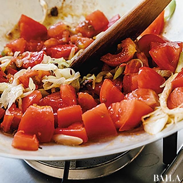 スパイシートマト鍋で夏バテ防止 !【カトパンの週末ふるまいごはん】_3_5