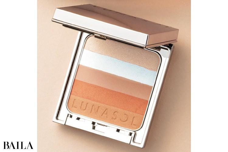 カネボウ化粧品のルナソル シックコンシャスブレンダー EX02