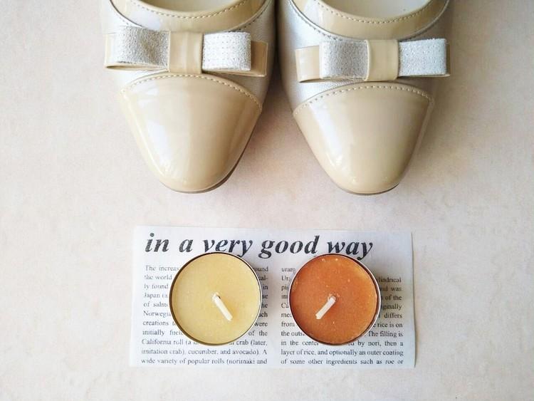靴と並べたフレグランスキャンドル ミニ シトラス