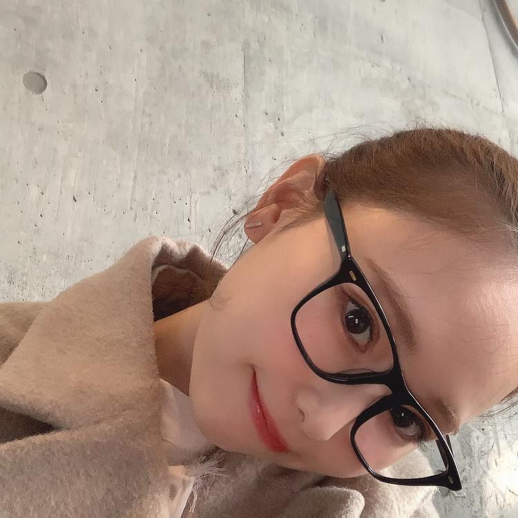 小物をアップデート!OLIVER PEOPLESのメガネ♡_2