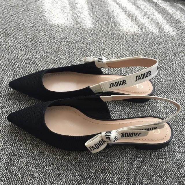 着こなしの幅をぐっと広げる、すごい靴_3