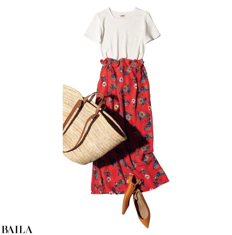 花柄スカートとかごバッグでヘルシーに。