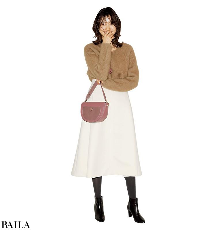 同窓会に行く日は、優しげニット×白スカートの大人の可愛げスタイル【2020/1/19のコーデ】_1