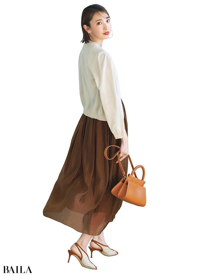 カーデ×スカート
