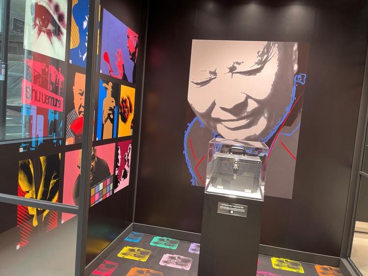 植村 秀氏とブランドの軌跡、ブランドフィロソフィーに触れられる「秀」の部屋。