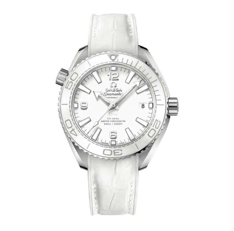 機能美を手元に。スポーティな腕時計【30代からの名品・愛されブランドのタイムレスピース Vol.32】_2_4