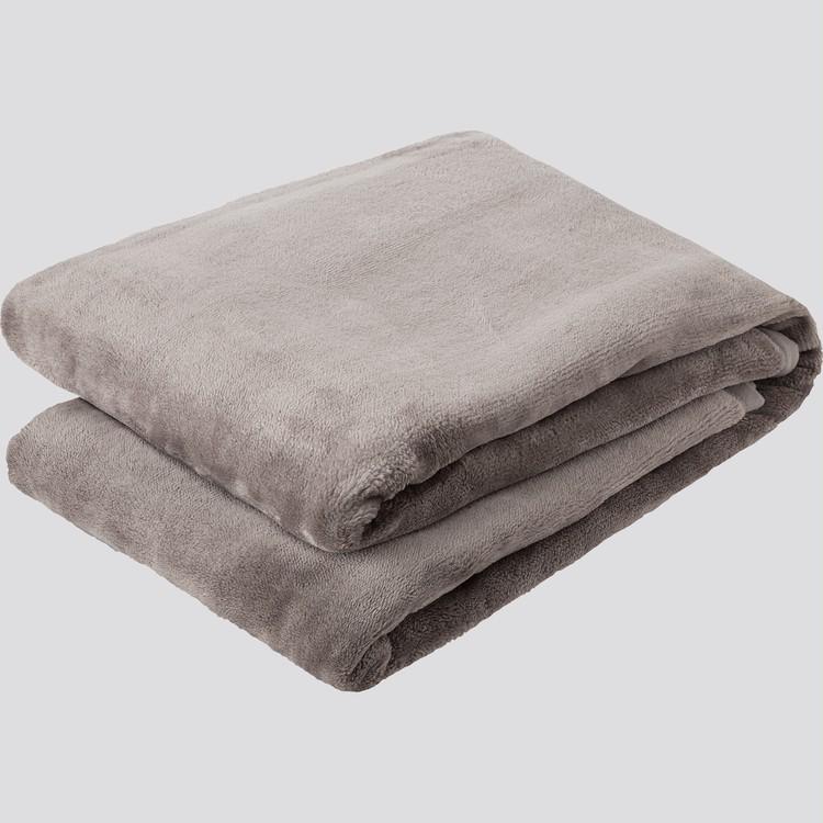 """【ユニクロ(UNIQLO)】「ヒートテック毛布」が全店舗で発売スタート、""""暖かい・軽い・洗える""""グレー"""