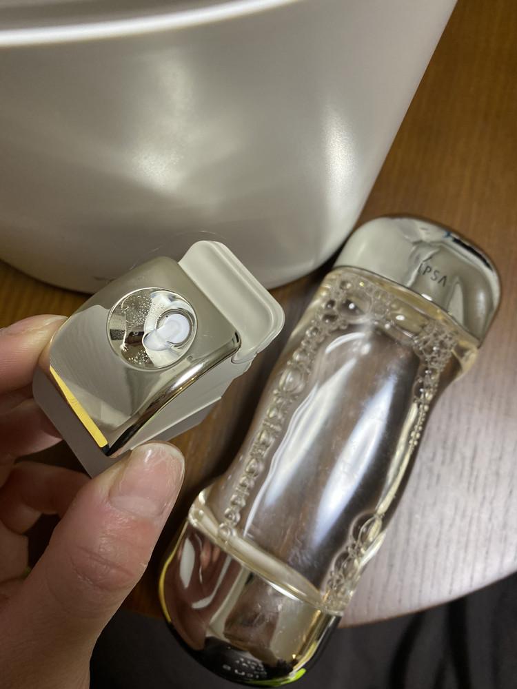 コレが化粧水ミストタンクです。 通常使用1回分の量の化粧水が入ります。