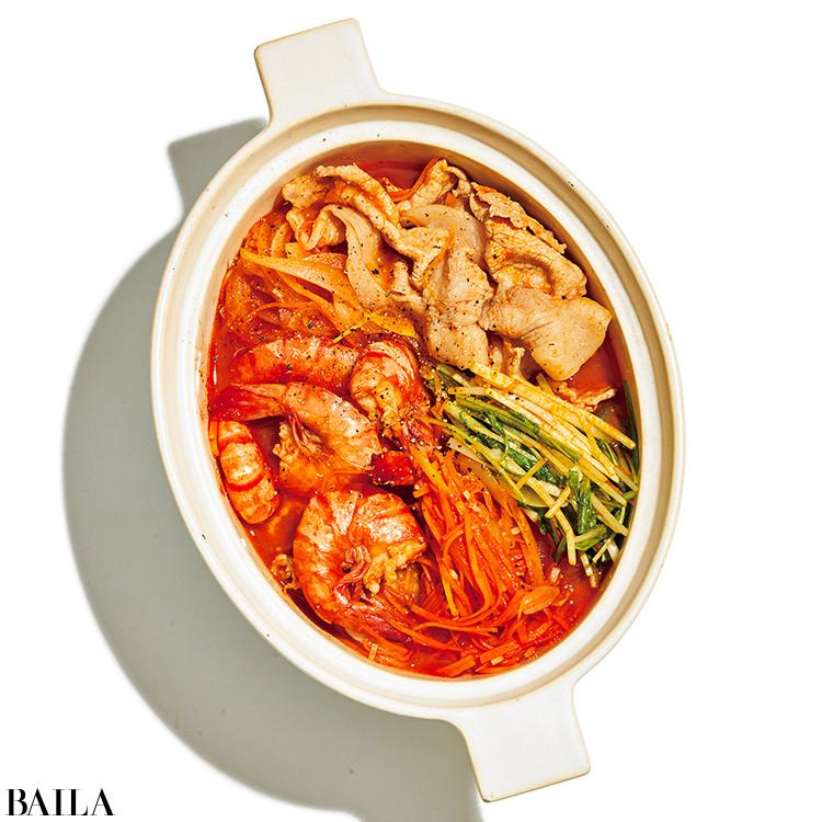 エビと豚肉、水菜のトマトジュース鍋