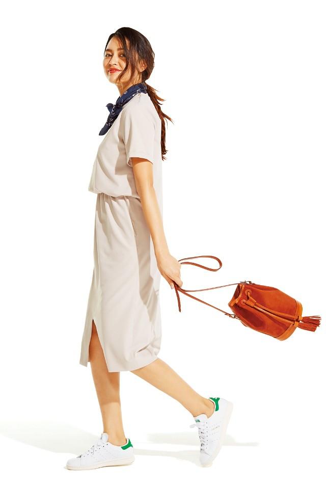 【モテ度倍増♥︎】フェミニンボトムには「白スニーカー」!_6